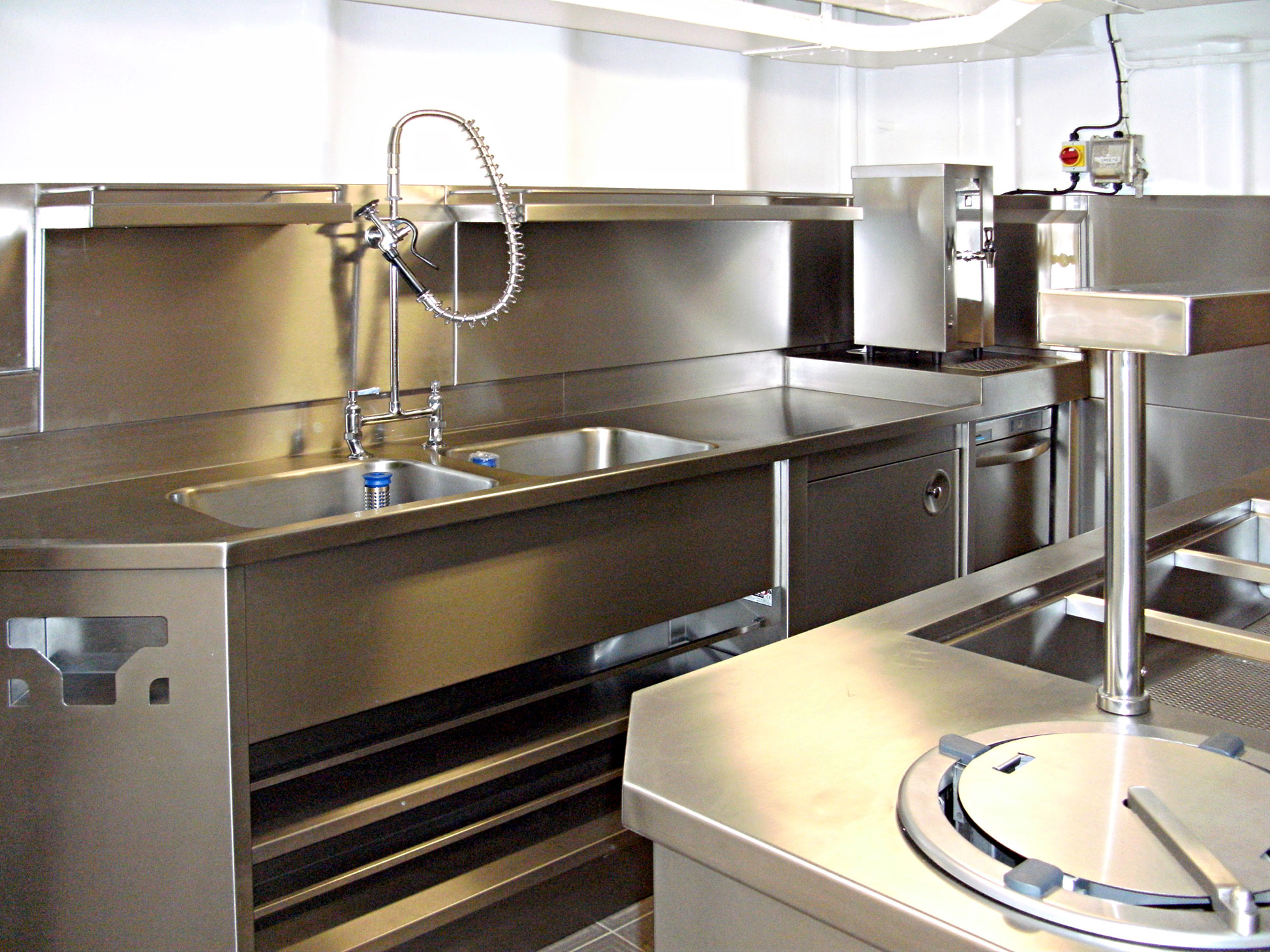 Food service solutions for Cruiseships and Offshore facilities